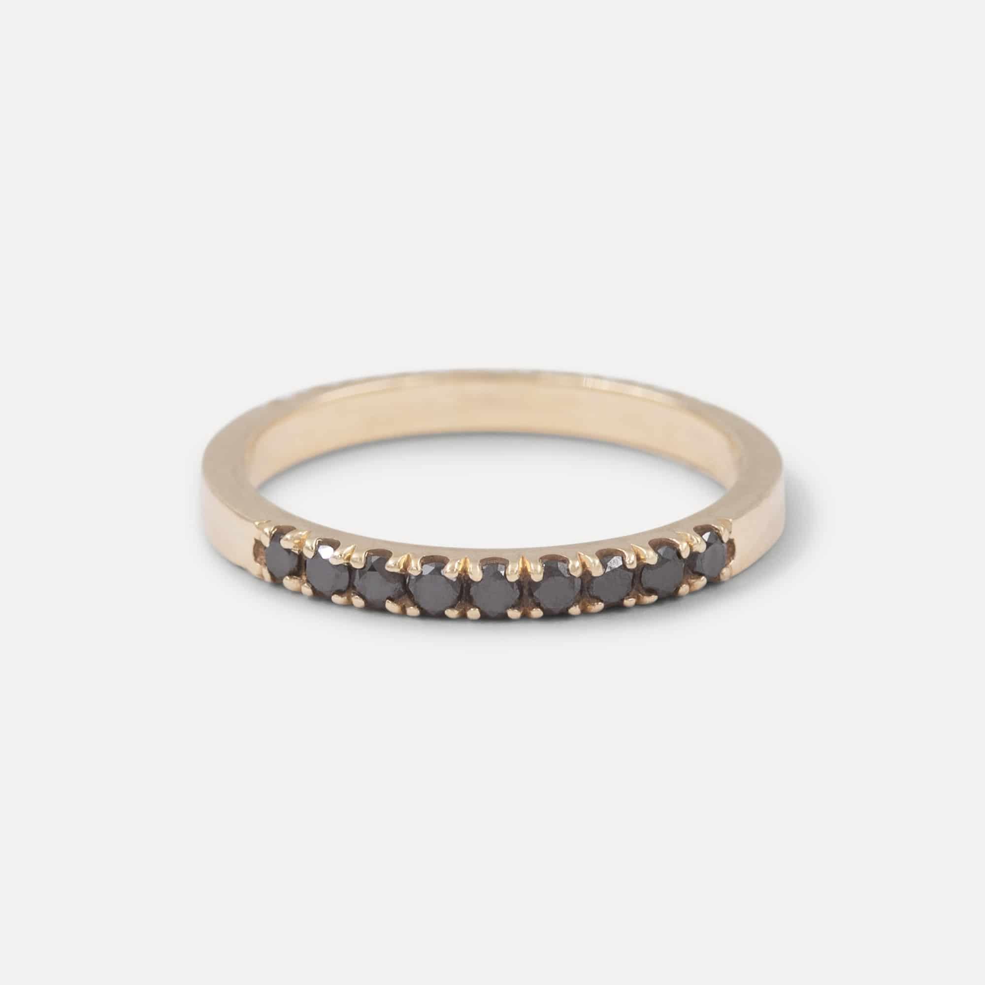 טבעת deja חצי יהלומים שחורים
